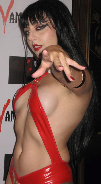 Vampirella Models http://www.vampilore.co.uk/models/swan_nella.html